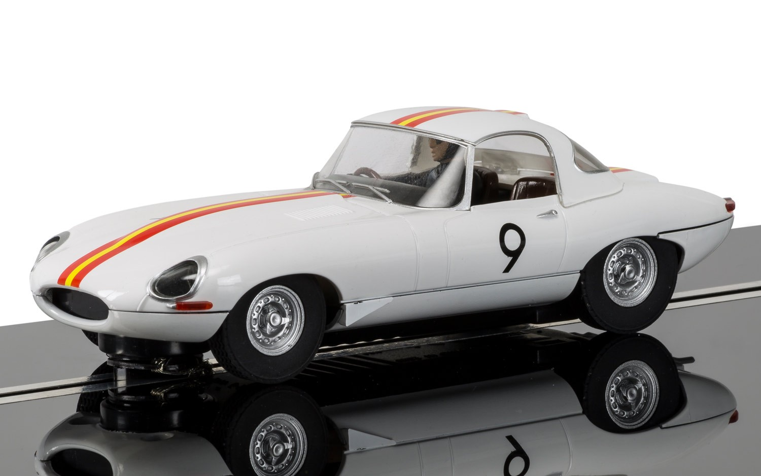 Jaguar E Type 1965 Bathurst No.9 Bob Jane  1/32 Slot Car