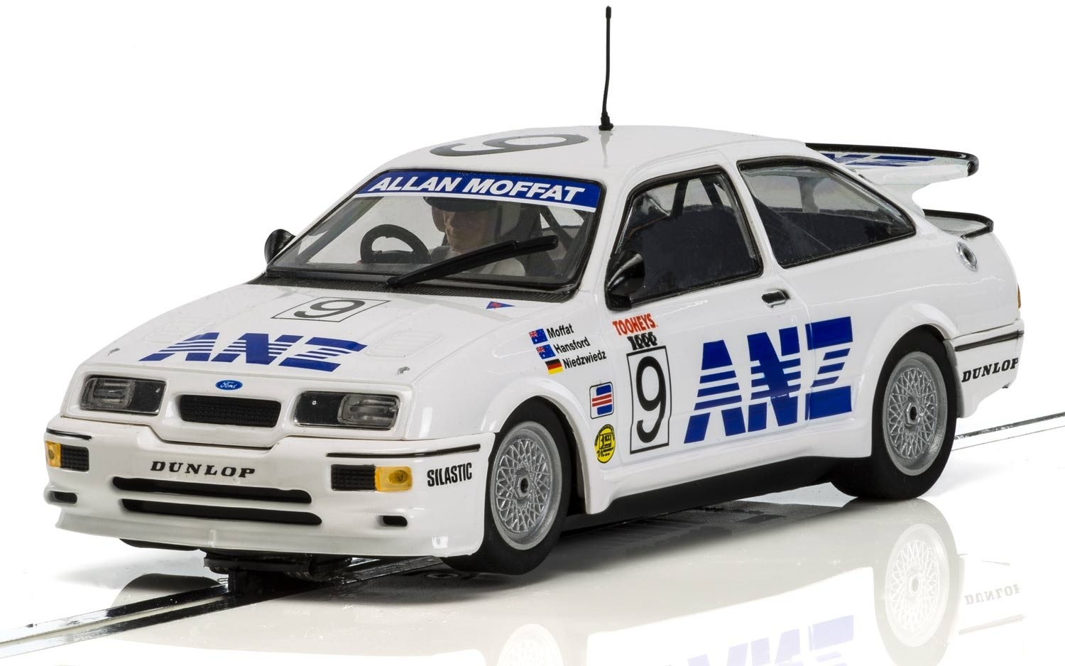 Ford Sierra Cosworth RS500 - James Hardie 1000 Bathurst 1988 1/32 Slot Car