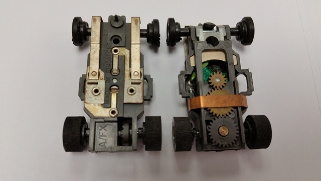 AFX Super Traction Rolling Chassis