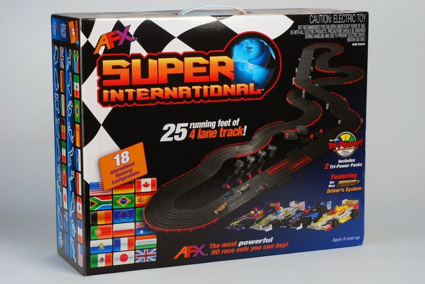 AFX Super International 4-Lane w/Fast Pack and 2 TPP