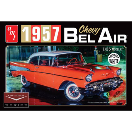 '57 Chevy Bel Air w/Diorama & Photo Booklet White 1:25 Model Kit