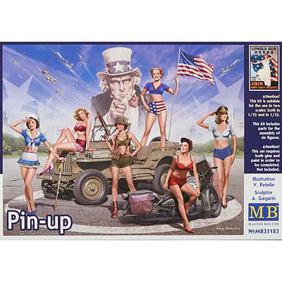 Pin-Up Women Posing 1:35 Plastic Model Kit