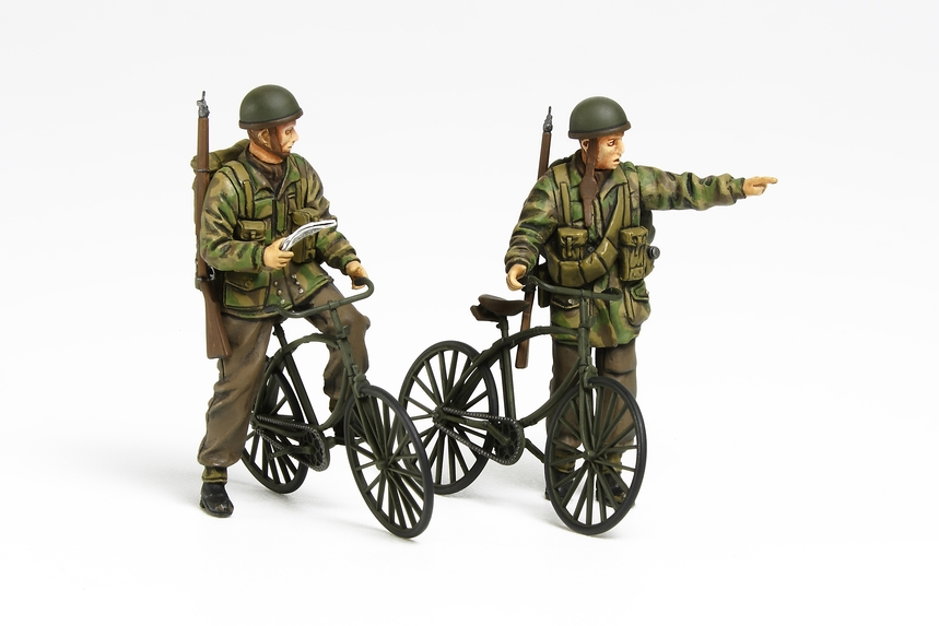 British Paratroopers Set W/Bicycles 1/35 Plastic Model Kit